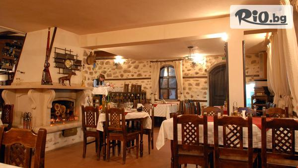 Почивка в Мелник до края на Май! Нощувка със закуска и вечеря за ДВАМА + комплимент от хотела чаша вино, от Хотел Болярка 3*