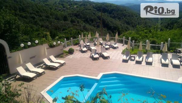 Last Minute почивка в Габровския Балкан през Август! Нощувка със закуска и вечеря, по избор + външен басейн, от Хотел Балани