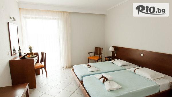 Ранно лято на Халкидики, Гърция! 5 нощувки, закуски и вечери в Kassandra Мare Hotel 3*, от Космополитън Травъл