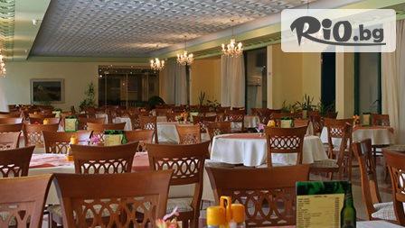 През Май и Юни в Златни пясъци!Нощувка със закуска и вечеря /по избор/ + басейни и СПА, от Хотел Шипка 4*