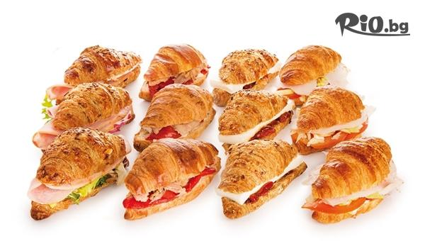 90 броя мини сандвичи и кроасанчета