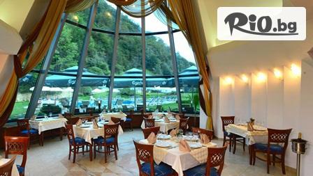 СПА почивка в Рибарица! Нощувка със закуска, обяд и вечеря + сауна и джакузи, от Хотел Evergreen Palace 3*
