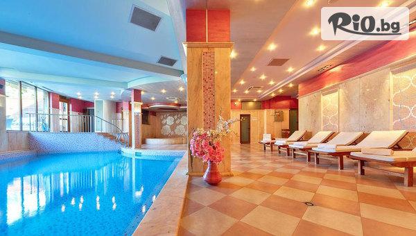 Луксозна лятна почивка в Хисаря! Нощувка със закуска + вътрешен минерален басейн и релакс зона, от Хотел Клуб Централ
