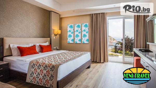 Нова година в Кушадасъ! 4 нощувки на база Аll inclusive + новогодишна галавечеря с водещ и изненади в Aria Claros Beach Resort &Spa 5*, от Вени Травел