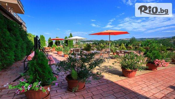 СПА почивка в Сандански ! Нощувка със закуска и вечеря + вътрешен релакс басейн, джакузи и парна баня, от Хотел Time out