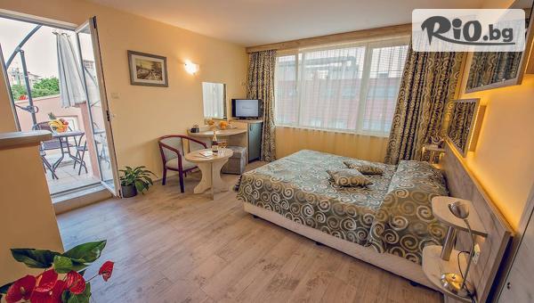 Изгодна почивка във Варна до края на Ноември! Нощувка в Хотел Виктория