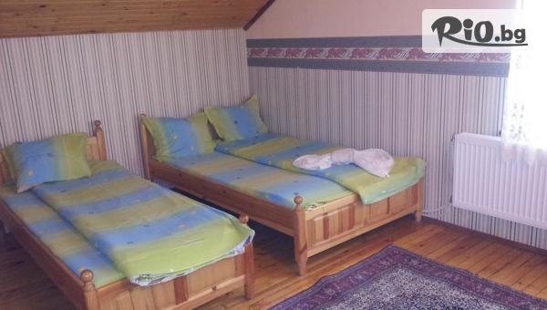 Релакс край яз. Батак до края на Май! 2 или 3 нощувки във вила с капацитет 7 човека, от Вилно селище Уют в Цигов чарк