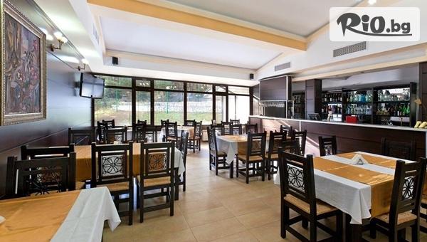 Почивка на брега на язовир Батак! Нощувка със закуска и вечеря + СПА център, от Семеен хотел Спа Хебър 3*