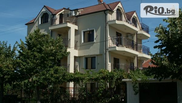 Лятна почивка в Черноморец! Нощувка със закуска, oт Family Hotel Bellehouse 3*
