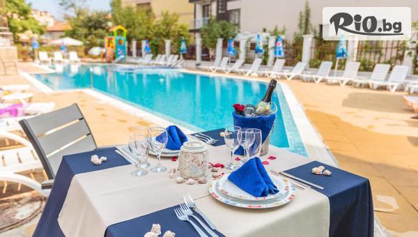 Почивка в Созопол през Септември! Нощувка със закуска и вечеря /по избор/ + басейн, чадър и шезлонг, от Хотел Флагман 3*