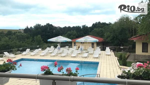 Почивка в Царево през цялото лято! Нощувка със закуска и вечеря + басейн, шезлонг и чадър, от Хотел Марая - на 150 метра от плажа