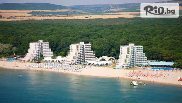 Почивка на брега на морето в к.к. Албена! Нощувка на база All Inclusive + басейн, чадър и шезлонг на плажа, от Хотел Нона