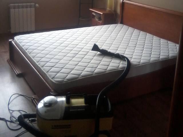 Професионално машинно изпиране и подсушаване на дивани, фотьойли, матраци, килими,мокети, пътеки-на адрес  Галерия #6