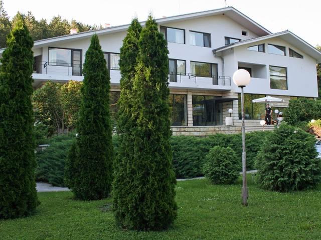 Хотелски комплекс Белия Кон & Рай Галерия #9