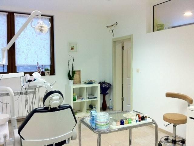 Д-р. Даниела Николова - стоматолог Галерия #1