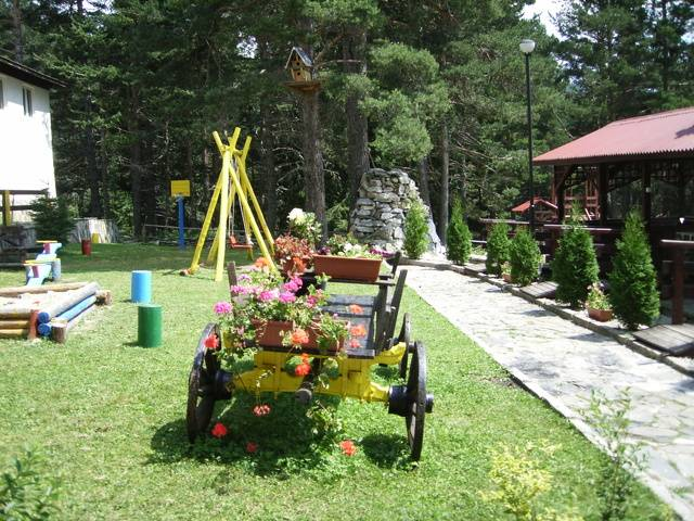Хотел Бор,Семково Галерия #1