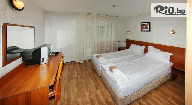 Хотел Зора Галерия #18