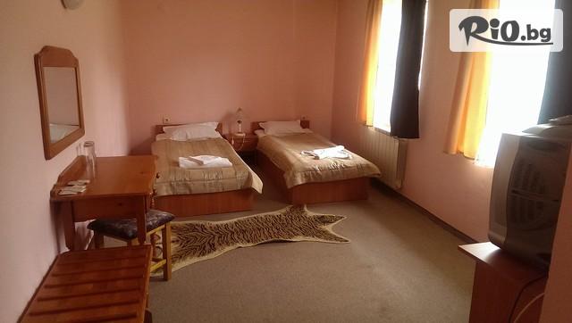 Семеен хотел Белона Галерия #13